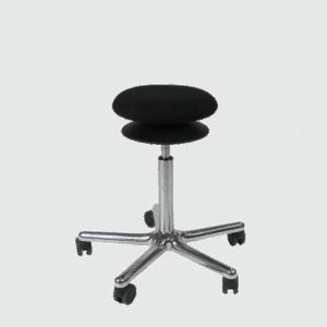 Roll Disc taburet med hjul og bevægeligt sæde. Ergoforma.