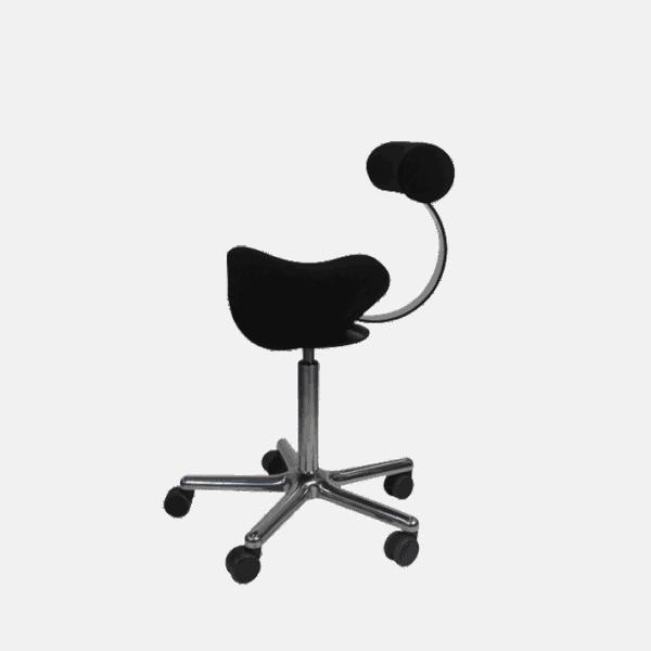 Roll Rodeo sadelstol med ryg og bevægeligt sæde giver god siddestilling med en aktiv ryg. Ergoforma.