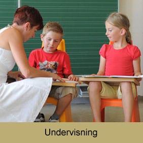 Stole til elever og lærere i undervisningen.