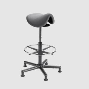 Roll Rodeo sadelstol med fodring til høje arbejdspladser. Ergoforma.